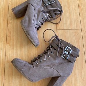 Madden Girl beige taupe combat lace up boots 8